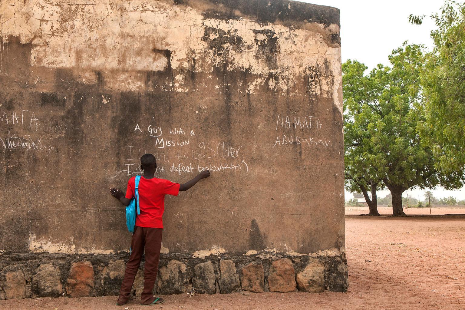 UNICEF/NYHQ2015-0481/Esiebo