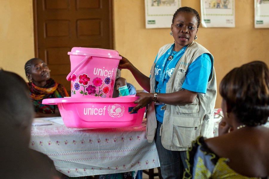 A doctor holds an antenatal session for pregnant women and their partners at the UNICEF-supported Rubare referral health center in the Democratic Republic of the Congo.