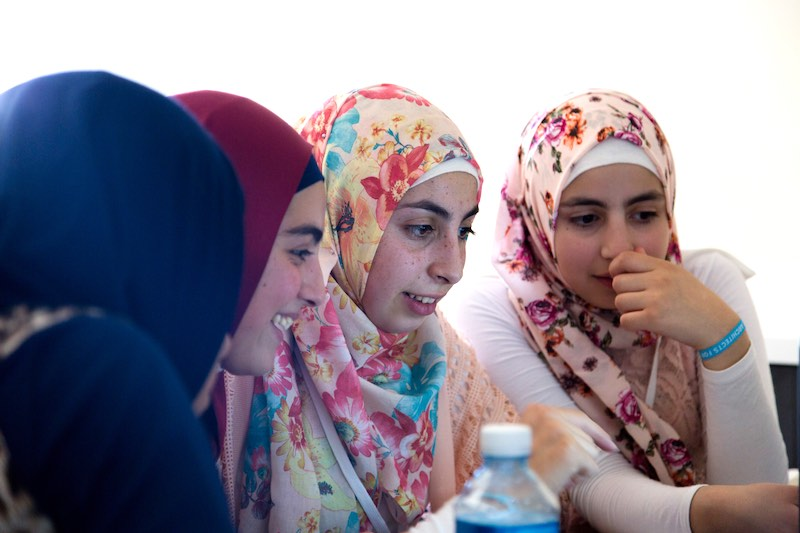 Syrian refugee teens in Lebanon and high tech learning