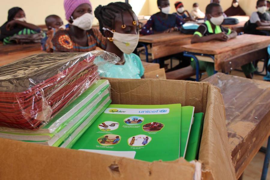 Students in Mali received learning materials from UNICEF along with masks for COVID-19 prevention.