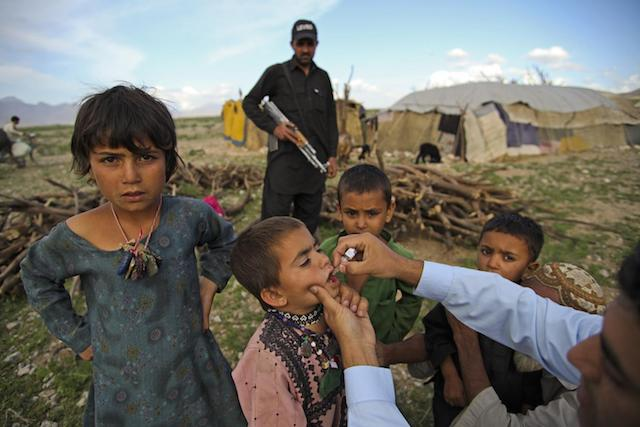 During a door-to-door national immunization campaign, a polio team vaccinated migrant children living in Quetta, the capital of Baluchistan province, Pakistan.