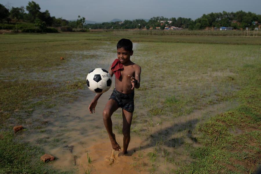 unicef, rohingya, soccer balls, football, refugees, bangladesh