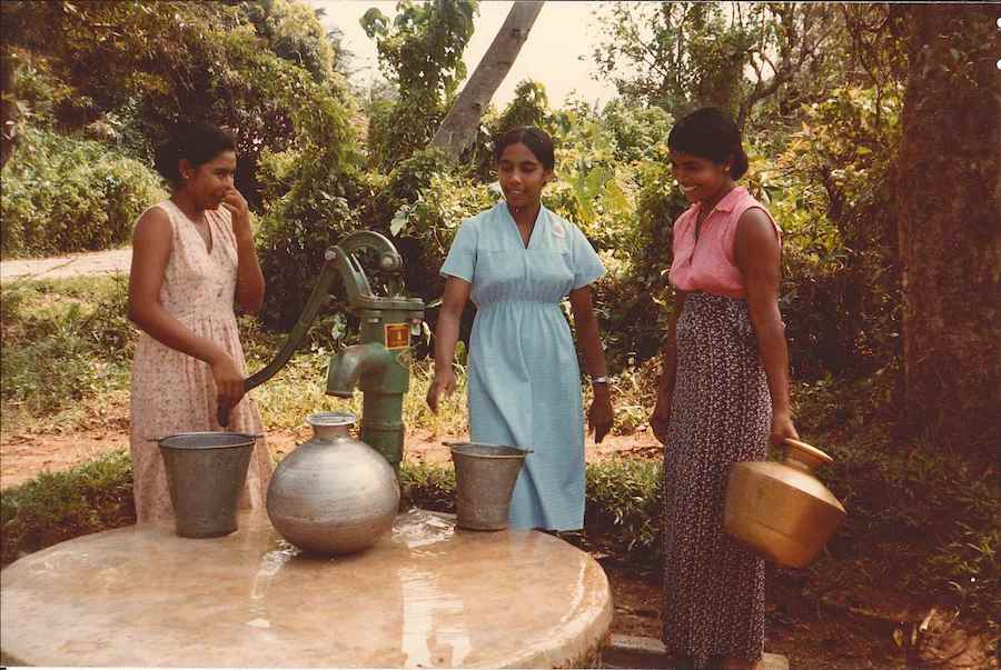 From 1982 to 1988, Zonta partnered with UNICEF to provide safe drinking water to 350,000 dry zone settlers in Sri Lanka.
