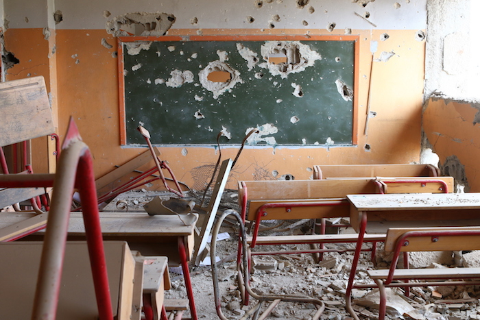 On 8 January 2016 a primary school in Hujjaira, Rural Damascus is damaged due to continuous violence in the area. Even though the situation in Hujjaira is calmer now, students cannot return to their damaged school.