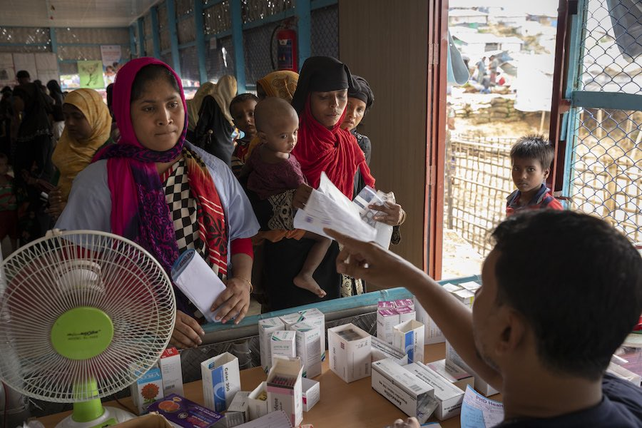 UNICEF-supported Primary Health Care Post offering services to some 27,000 Rohingya refugees living in Kutupalong Camp 4 in Bangladesh.