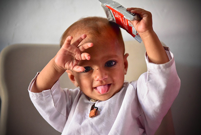 Younas was suffering from severe acute malnutrition, a major issue for women and children in rural Pakistan. But after two weeks on a diet of therapeutic food, he's on the road to recovery