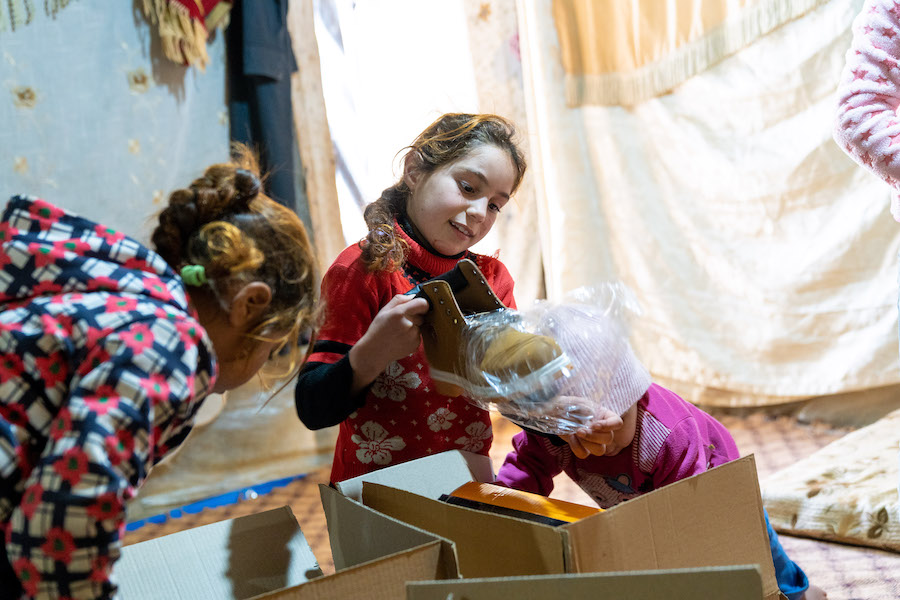 UNICEF and its partner is helping vulnerable Syrian refugee children living in informal tented settlements stay warm this winter by distributing winter clothing kits to children aged 0-18.