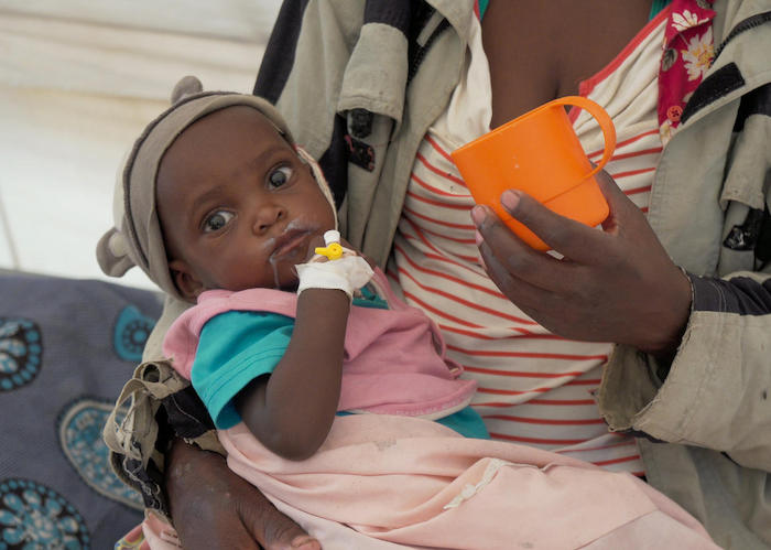 After back-to-back cyclones hit Mozambique in 2019, UNICEF workers treated Amalia, 3, for malnutrition and pneumonia.