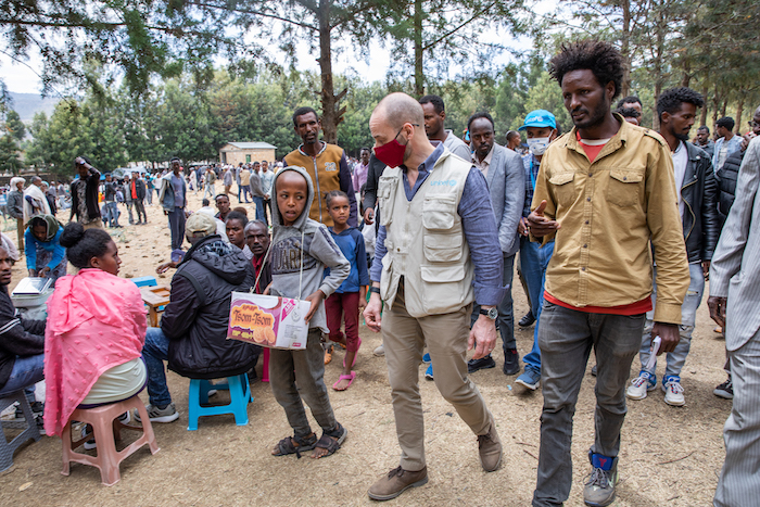 Manuel Fontaine, Director of UNICEF's Office of Emergency Programs, visits a camp for internally displaced people in Adigrat Town, Tigray, to assess the needs on the ground.