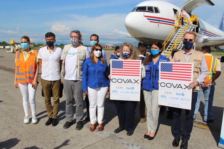 UNICEF Representative in Honduras, Mark Connolly, alongside Government, UN and Diplomatic officials during the arrival of COVID-19 vaccines donated by United States Government to Honduras via COVAX's dose-sharing mechanism on June 27, 2021.