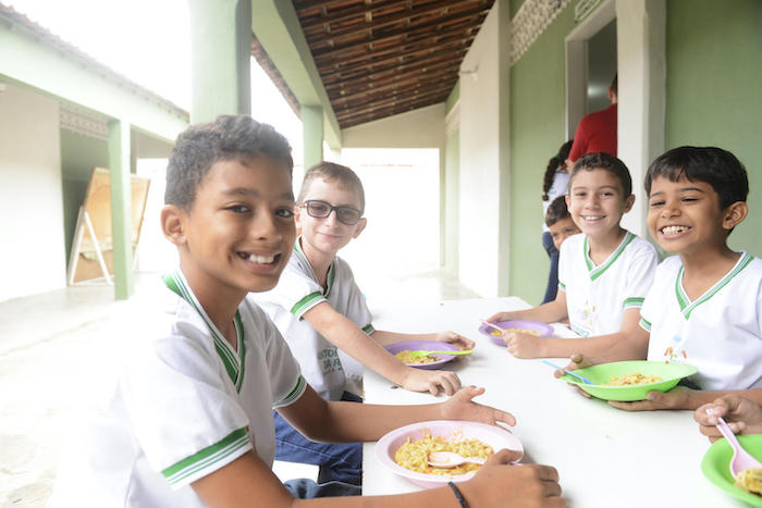 In Major Sales, in the state of Rio Grande do Norte, Brazil, all municipal schools share the same plan and logistics for feeding children, so that no one is left without a meal.