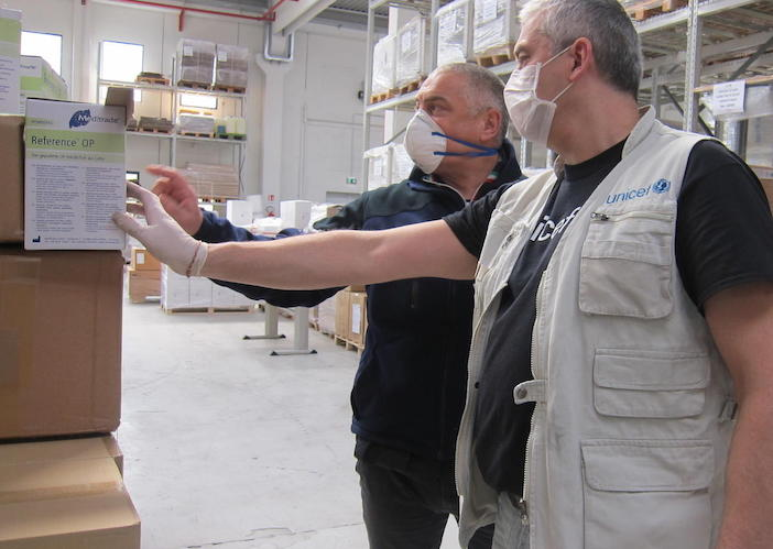 On 30 March 2020, the President of the UNICEF Italian National Committee, Francesco Samengo (in UNICEF vest) with the Executive Director of the UNICEF Italian NatCom, Paolo Rozera (in UNICEF T-shirt) at the arrival of UNICEF medical supplies in Rome.