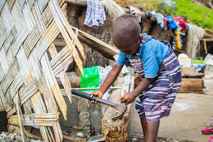 When Tropical Cyclone Harold recently struck the Pacific island nation of Vanuatu with 125 mph winds, as much as 90 percent of the families' homes and 60 percent of schools were damaged or destroyed in the worst-a ected areas. UNICEF had prepositioned sup