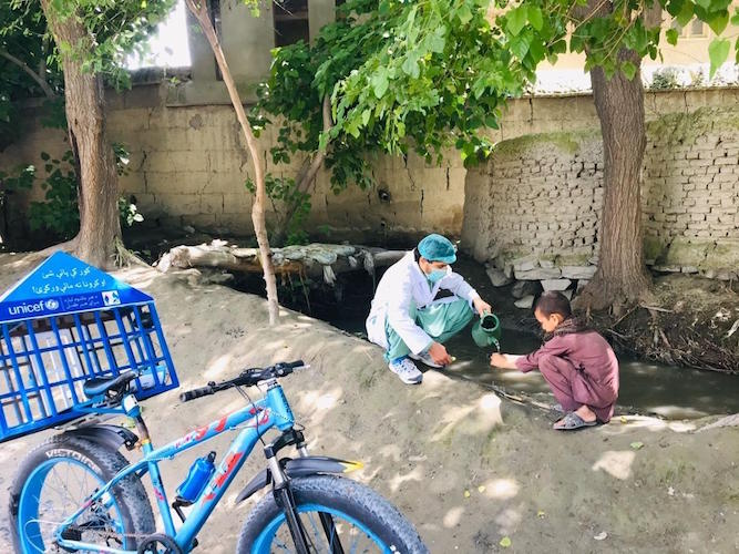 Idress Seyawash is on a 25-day campaign to raise awareness on COVID-19 key prevention measures and promote handwashing with children in rural villages in Afghanistan.