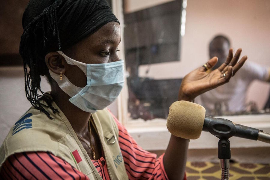 In Mali, 15-year-old Fatoumata is fighting misinformation about COVID-19, and teaching her community how to stay safe from the novel coronavirus.