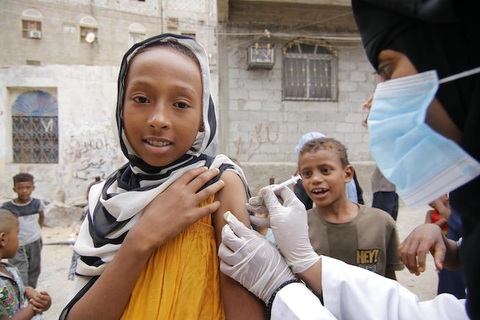 With UNICEF's help, vaccinations were able to continue at Khawr Meksar clinic in Aden, Yemen, during the COVID-19 pandemic.