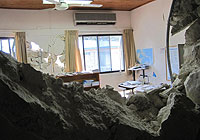 An office in UNICEF Haiti's main building in Port-au-Prince was heavily damaged. | © UNICEF/NYHQ2010-0014/Provencher