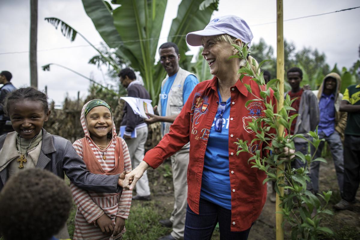 CAROL HAMILTON WITH UNICEF