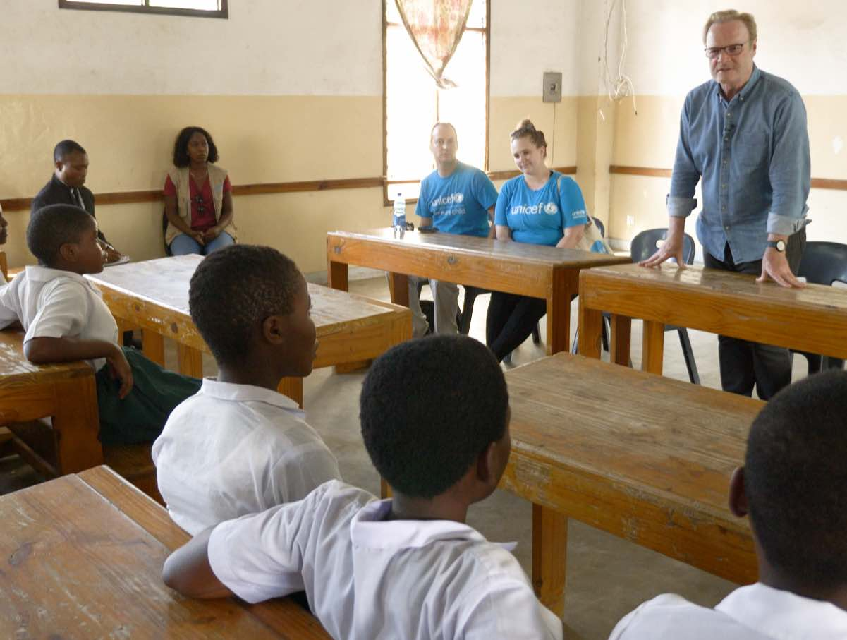 UNICEF and Lawrence O'Donnell's K.I.N.D. Fund provides children with desks and scholarships for girls in Malawi