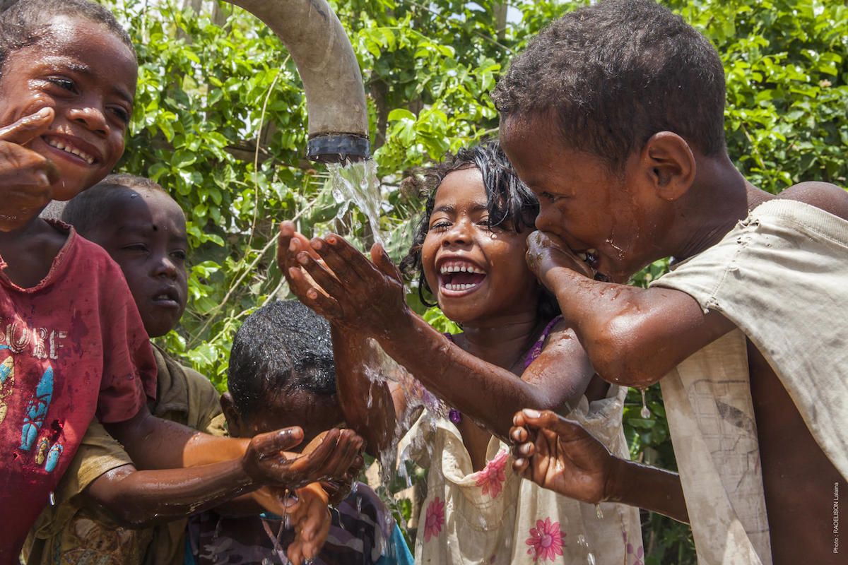 UNICEF and partners are working to improve access to safe drinking water in Southern Madagascar, where water shortages are particularly acute.