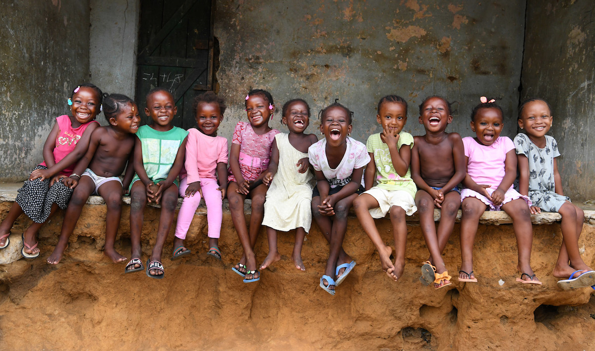 UNICEF-supported school children in Côte d'Ivoire.