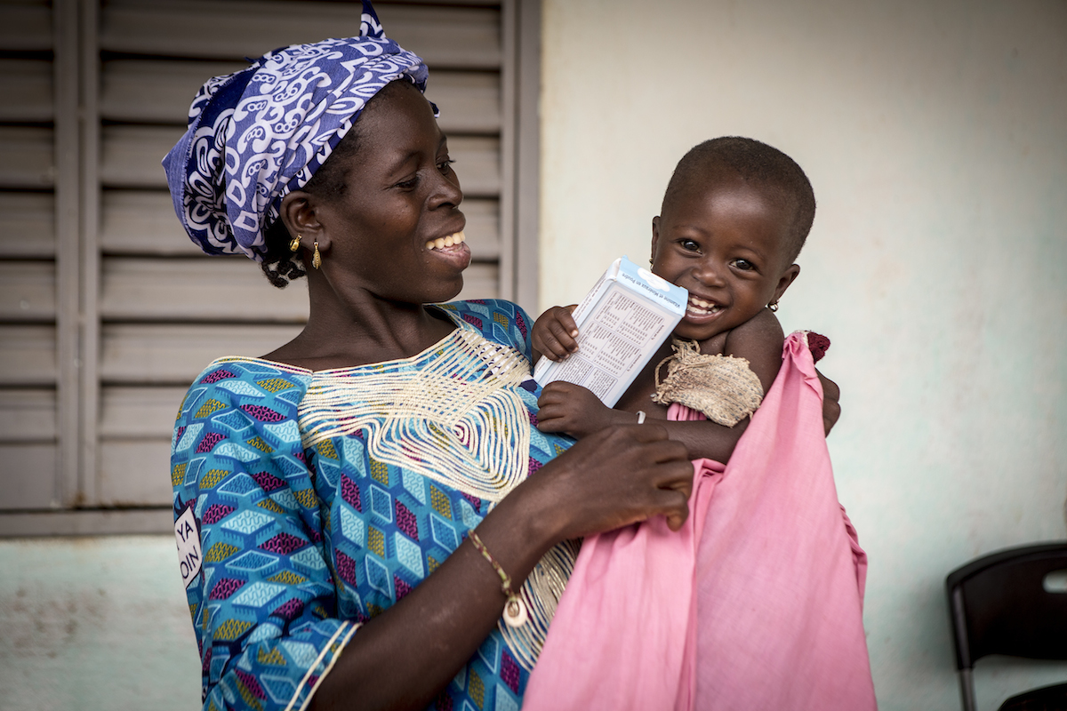 Alimatou Goïta, 2, benefits from home fortification food supplements with micronutrient powders through a UNICEF-supported program in Mali.