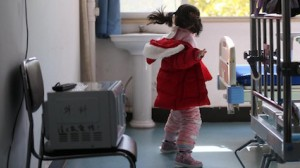 Five-year-old Yuanyuan* (her name has been changed to protect her privacy) was the only member of her family not infected with COVID-19 after the novel coronavirus swept through Wuhan, China.
