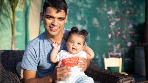 A father and his daughter, migrants from Argentina, received legal support and sheltering services from Jewish Family Service of San Diego, a UNICEF USA grantee.