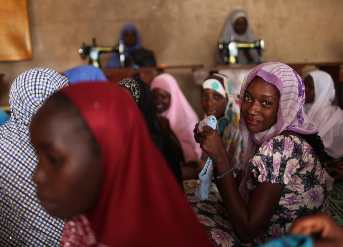 Farida Moussa, 16, is a member of the Association for Young Workers in Niger, a UNICEF-supported shelter for young women. © UNICEF/UNI164894/Terdjman