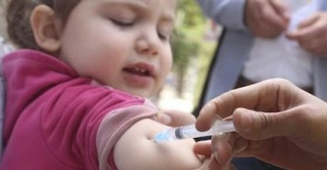 An immunization campaign begins in Syria amidst escalating violence