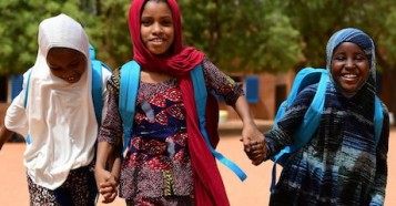 Children head for home after a day of school in Niamey, the capital of Niger, in 2021.