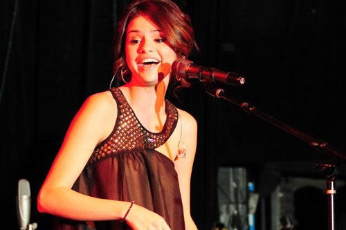 Selena's first charity concert to benefit UNICEF was held in celebration of the 60th Anniversary of Trick-or-Treat for UNICEF in October 2010.