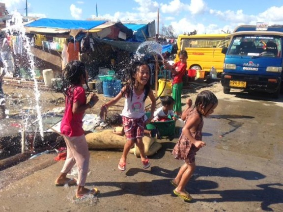 Children play in one of the first Child-Friendly Spaces opened after Typhoon Haiyan struck the Philippines. © UNICEF/PFPG2013P-0320/Kent Page